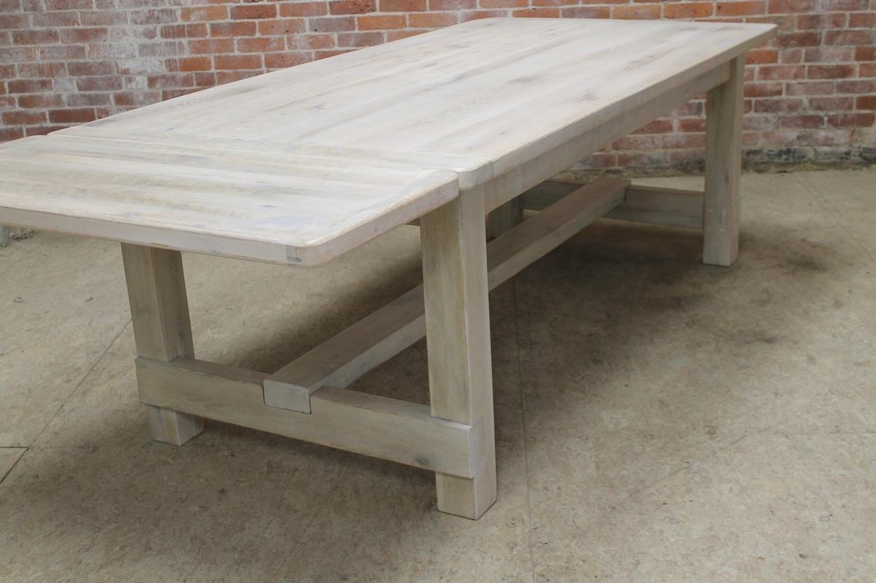 Farmhouse Table DIY